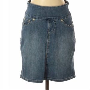 Jag Jeans pull on skirt size 4P B2